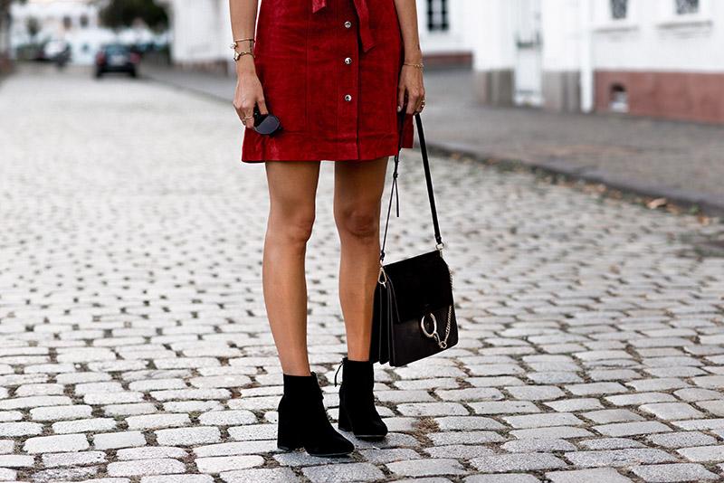 fashionardenter-70'-fashion-brigitte-bardot-look-parisienne-look-fashion-black-velvet-booties-pimkie-inspiration-fashion-icon-vintage-fashion-french-blogger