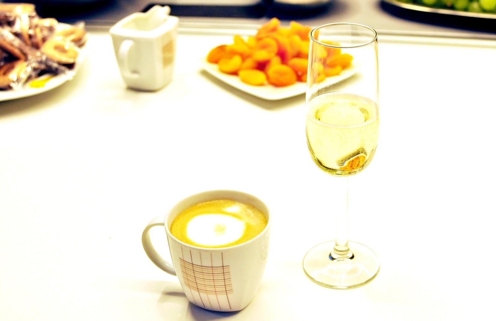 przywitanie_szampan-i-poczestunek
