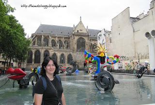 Fuente de Stravinsky e Iglesia de St. Merri, París