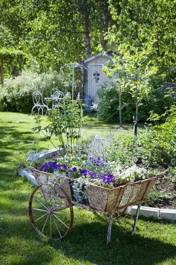 Charming Old Flower Cart Backyards Click