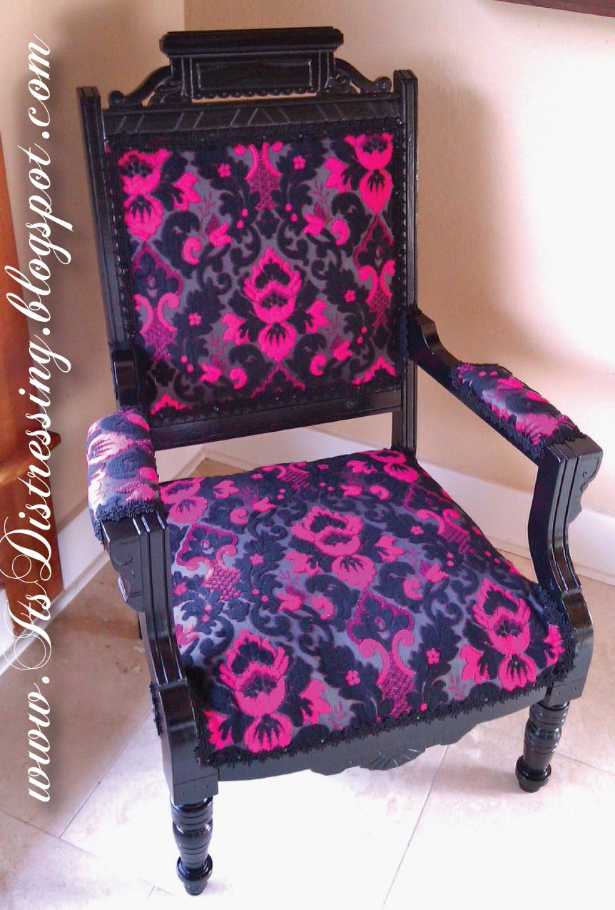 It S Distressing Pink Velvet King Louis Chair