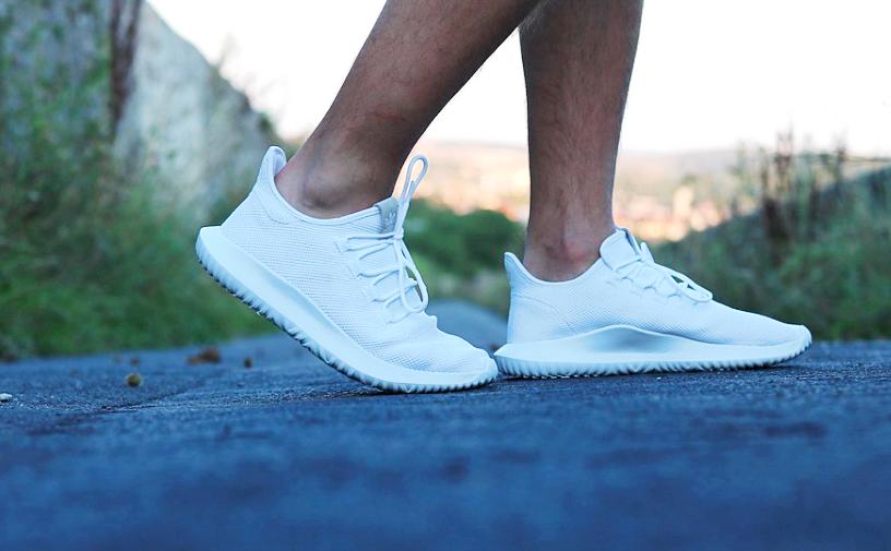 Sneakers dragen tijdens de koude dagen