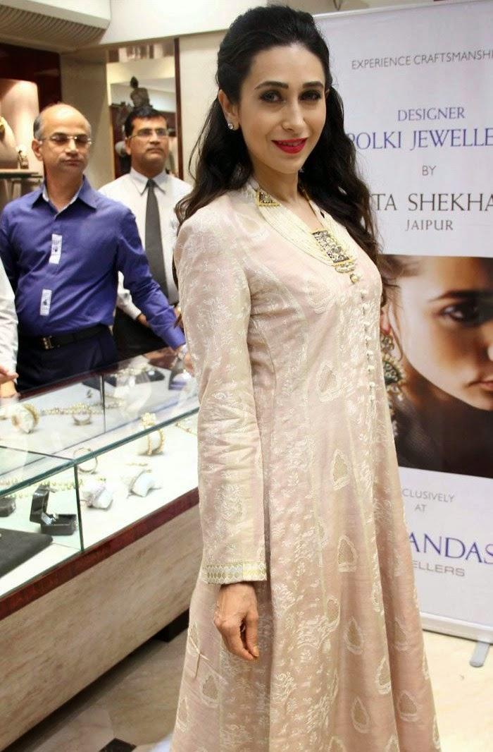 Karisma Kapoor, Karisma Kapoor at Sunita Shekhawat Jewellery Launch