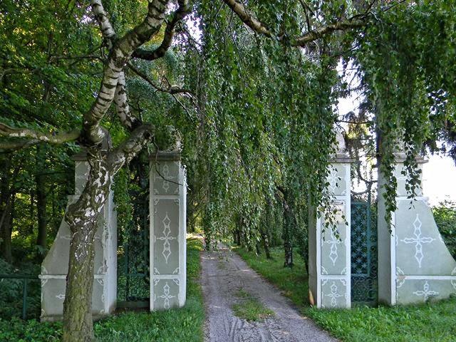 Frączków, ciekawe drzewa, zwiedzanie, ukryte skarby architektury