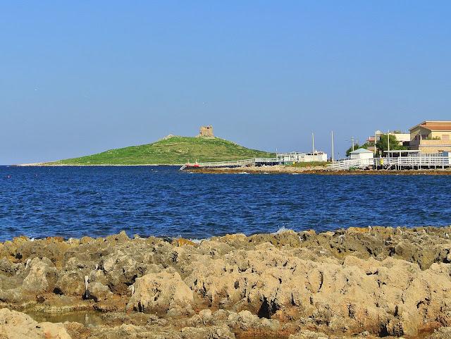 wyspa skaliste nabrzeże Isola Delle Femmine, Sycylia