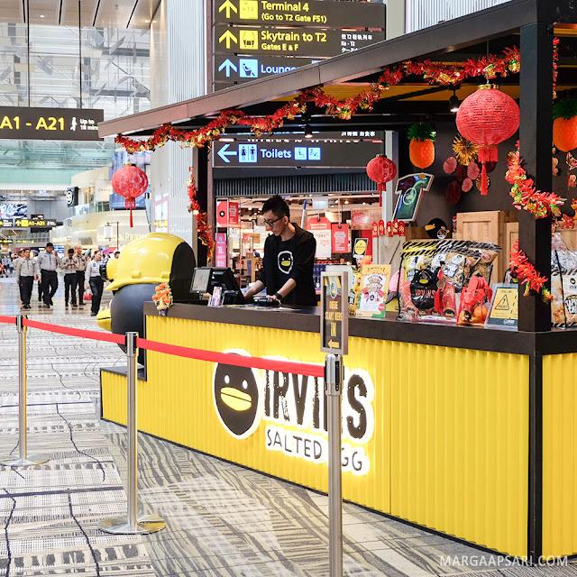 Irvins Salted Egg Changi Airport, Singapura