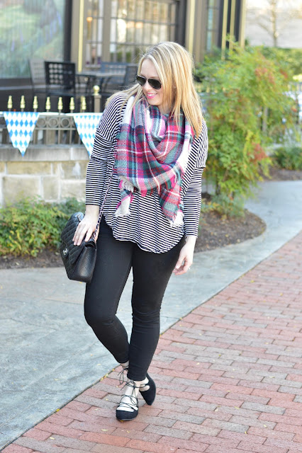 striped-tee-blanket-scarf-outfit
