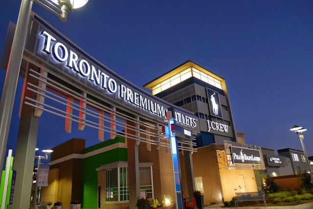 Toronto Premium Outlets em Halton Hills