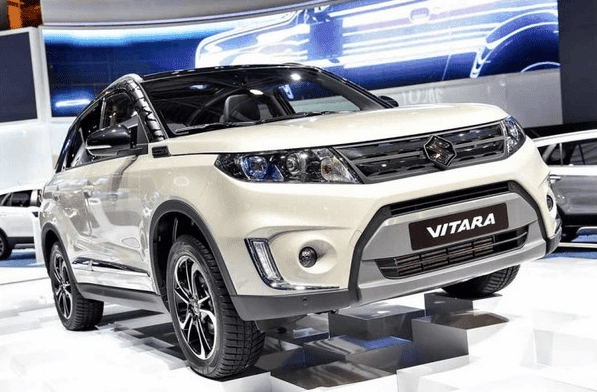 Review Suzuki Vitara Di Indonesia: Seperti bocoran spesifikasi sebelumnya, mobil Suzuki Vitara ini di lengkapi grille unik yang berbentuk kisi-kisi U, kemudian diapit headlamp LED