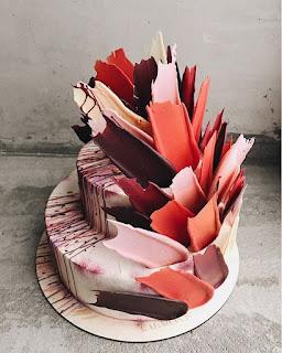 K'Mich Weddings - wedding planning - wedding cake ideas - colorful burshstroke cake - instagram - on the day wedding planner