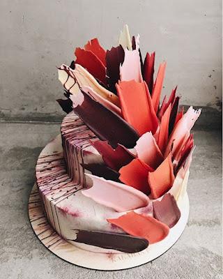 K'Mich Weddings - wedding planning - wedding cake ideas - colorful burshstroke cake - instagram