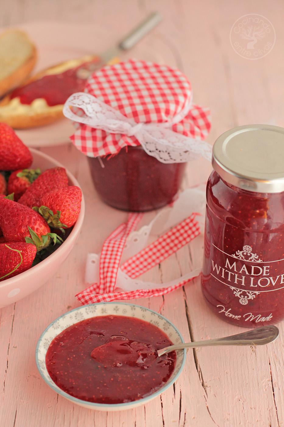 Mermelada de fresa a la pimienta rosa  Receta paso a paso