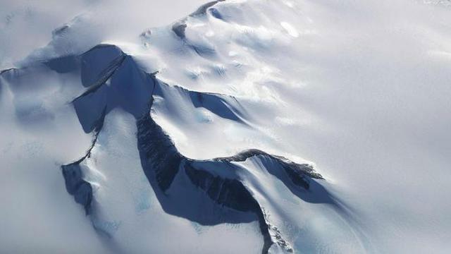 Nazi Menyembunyikan UFO di Antartika
