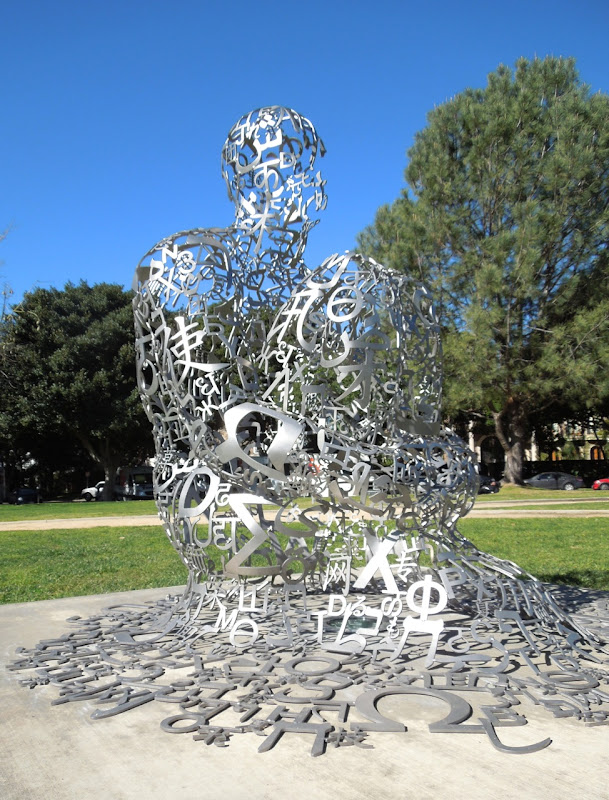 Endless V sculpture Jaume Plensa Beverly Hills