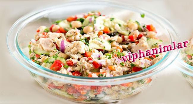 Akdeniz Usulü Ton Balığı Salatası