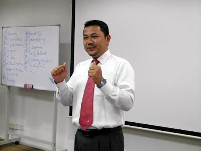 Business Communication Skills by Azmi Shahrin at Agrobank on 18-20 May 2016