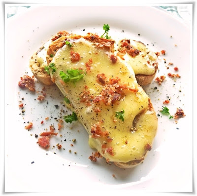 cheese on toast with bacon salt