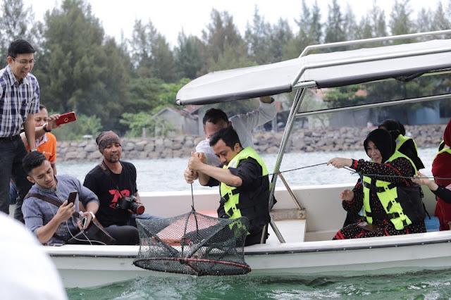 Usai Isi Ceramah Maulid, Ustad Yusuf Mansur Jajal Wisata Nelayan