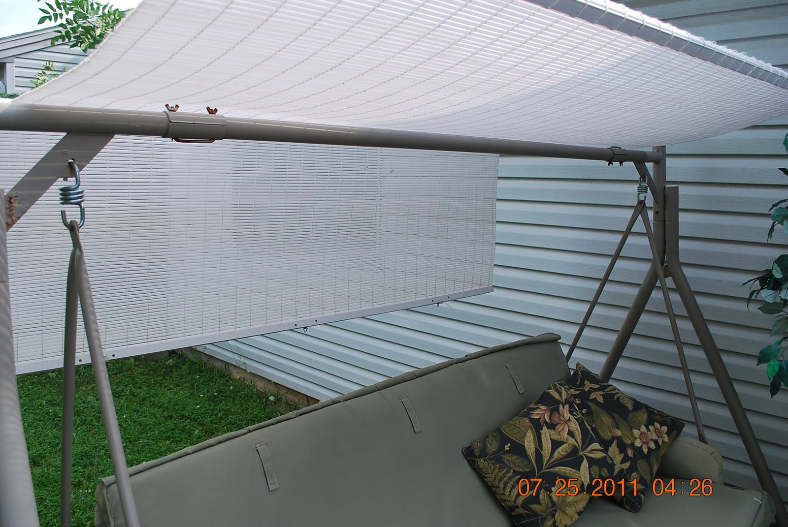 http://joysjotsshots.blogspot.com/2011/07/blind-swing-canopy.html