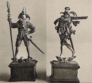 Pikeman and musketeer