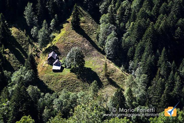 Baite e verde in valle Onsernone