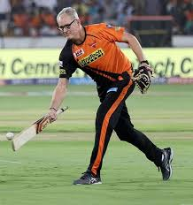 Tom Moody Family Wife Son Daughter Father Mother Age Height Biography Profile Wedding Photos