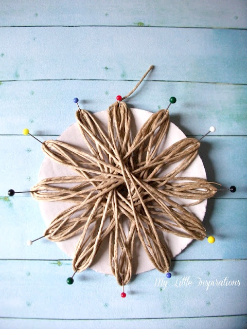 DIY Twine and raffia flowers with recycled paper leaves - Fiori di spago e rafia con foglie carta riciclata 6 - My Little Inspirations