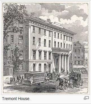 76c4d1b9d0 在十九世紀初期,皇家酒店(the Royal Hotel)興建於倫敦,假日度假村(holiday resorts)開始沿著法國和義大利河岸蓬勃發展。