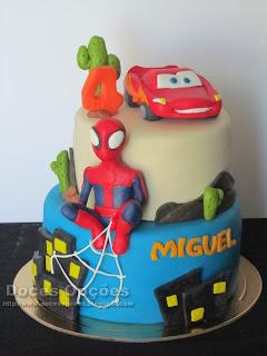 O Faísca Mcqueen e o Homem aranha no 4º aniversário do Miguel