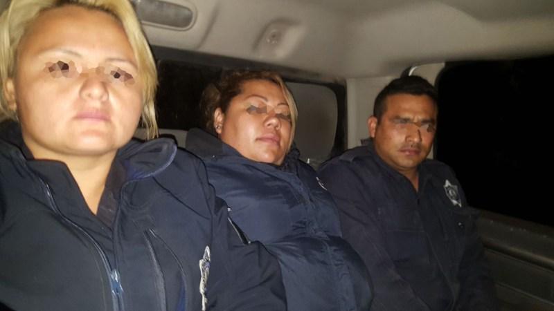 Agarran a 3 policías 'halcones' del crimen organizado con las manos en la masa