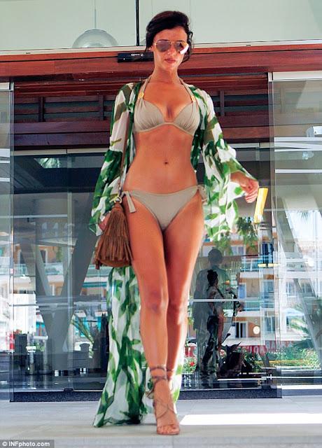 Lucy Mecklenburgh in Sporting a bold olive-green bikini