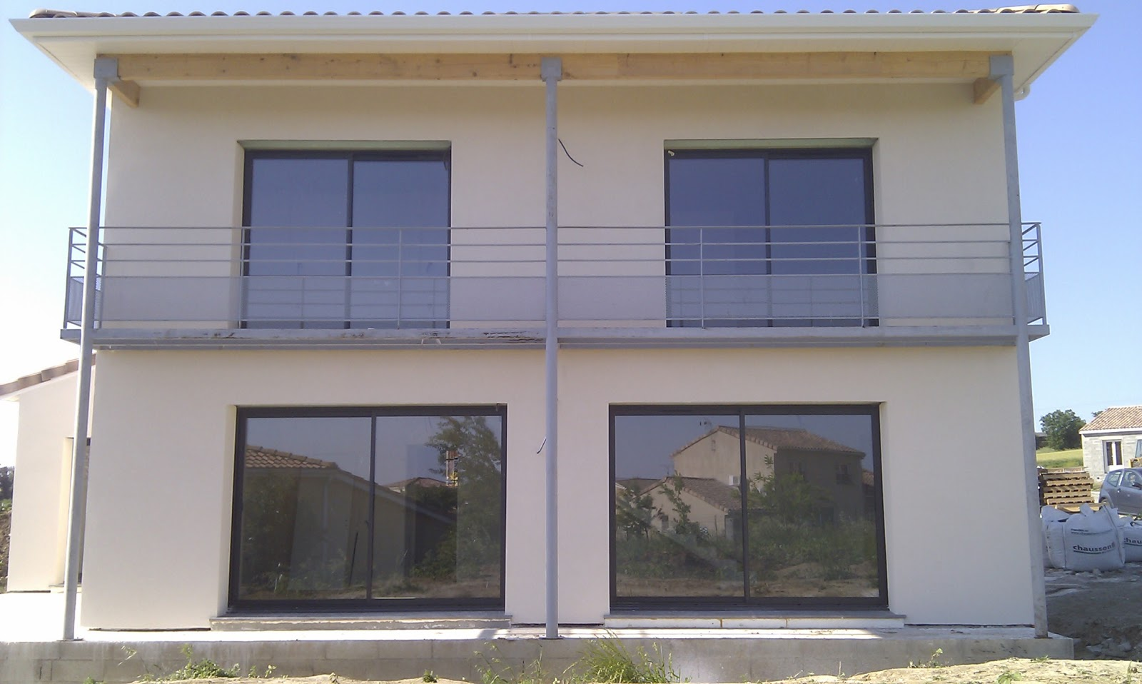 ma maison bioclimatique fa ade et balcon. Black Bedroom Furniture Sets. Home Design Ideas