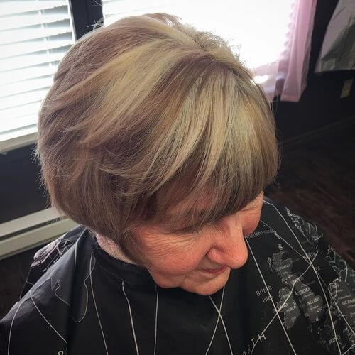 short hairstyle for women over 35