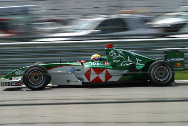Gambar Mobil Balap F1 Jaguar 02