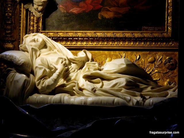 Êxtase da Beata Ludovica Albertoni, escultura de Bernini na igreja de San Francesco a Ripa, no Trastevere, Roma