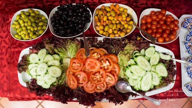 morocco-marakkesh-chefchaouen-bazaar-olives