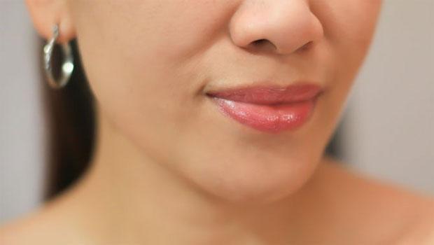 Tutorial Sehat Mencerahkan Bibir Atas Yang Gelap