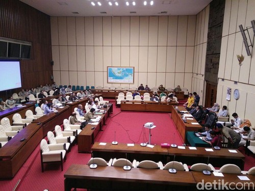 DPR Tolak Usulan Menteri Susi untuk Beli Pesawat Patroli dan Kapal Markas