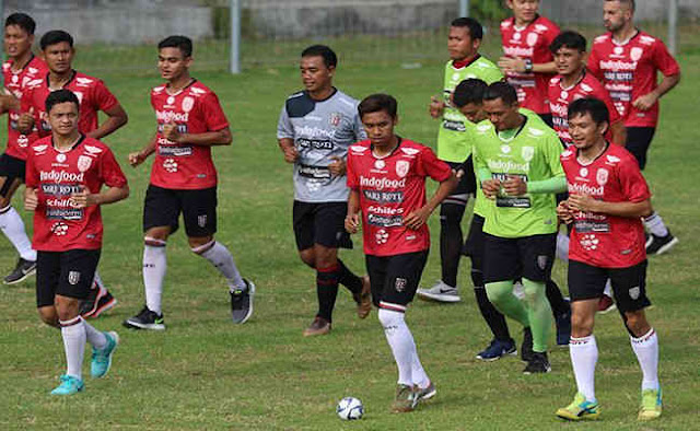 Bali United vs Persebaya