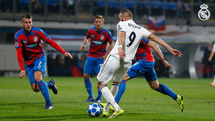 ea674e537be Benzema Returns to 2014 Adidas Adizero Boots to Score 200th Real ...
