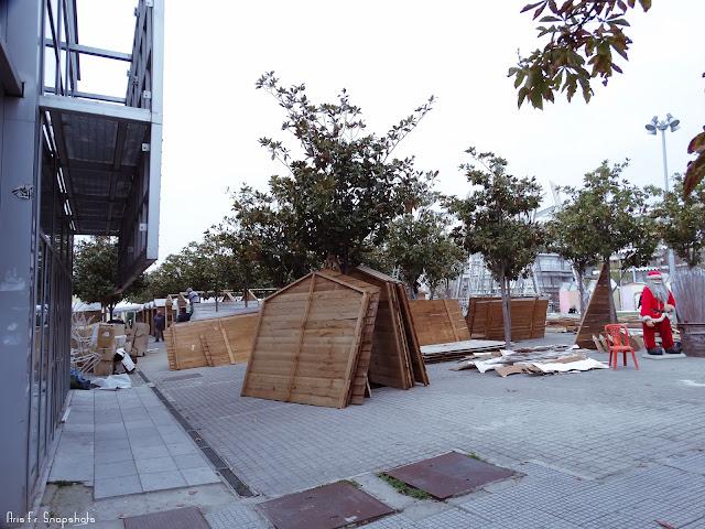 Ξεκίνησαν οι εργασίες για την κατασκευή του Χριστουγεννιάτικου Χωριού στην Τούμπα