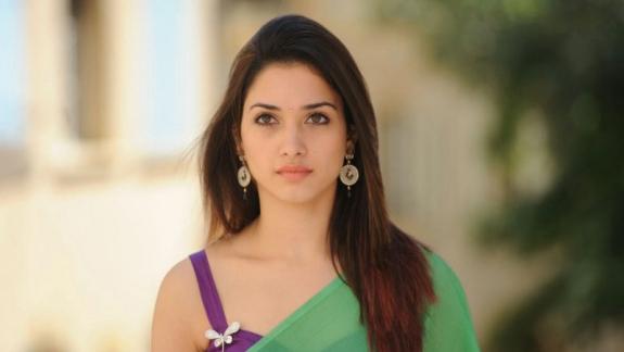 Tamanna Hd Saree Wallpaper: Psd Wallpapers Hd: Tamanna Latest Hot Stills In Saree Sexy