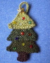 http://www.ravelry.com/patterns/library/advent-garland-4-tree