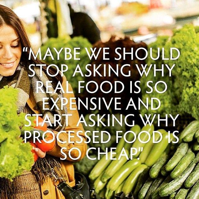 Talvez devêssemos parar de perguntar porque é que a comida a sério é tão cara e devêssemos começar a perguntar porque é que a comida processada é tão barata.