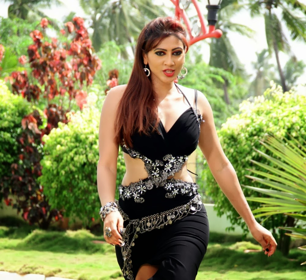 Rishika singh hot in black
