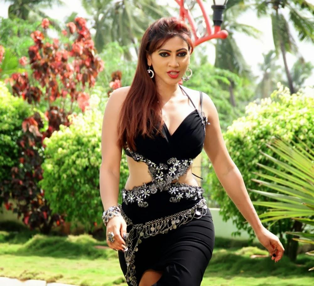 Rishika singh hot in black