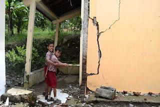 Nyaris Roboh, KBM SDN Windurejo Kesesi Lakukan Penggabungan Kelas, Sebagian Menempati Rumah Warga