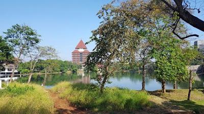 `Perbedaan Universitas Terbaik dengan Universitas Favorit di Indonesia