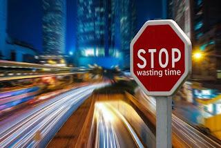 9 Jenis Pemborosan Waktu Paling Umum