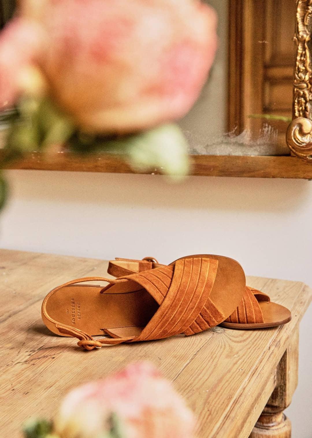 low lisa sandals